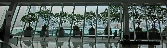 HK_Central_IFC_mall_glass_window_wall_view_Terrace_May_2013
